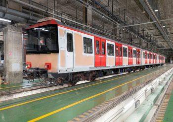 TMB recepciona el primer tren de la série 2100 reformado