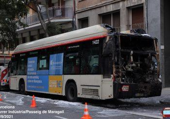 Se incendia el autobús 1422 de TMB